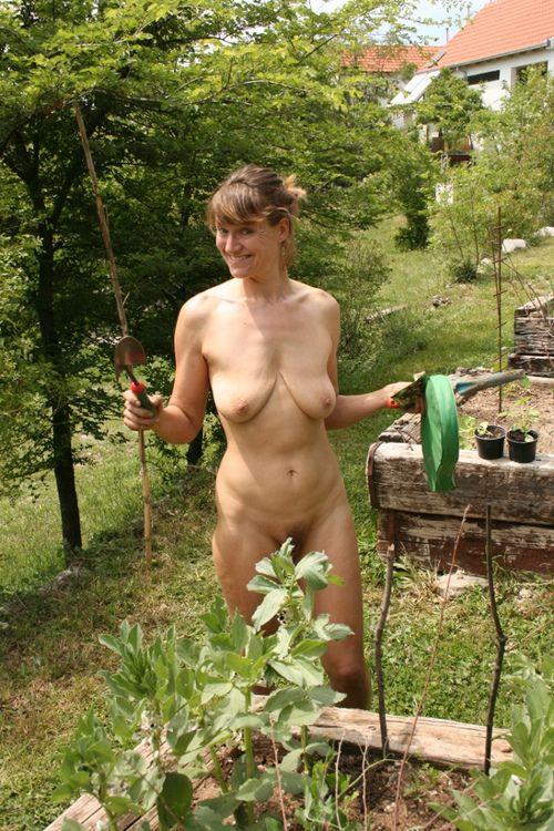 Частное жена голая на даче, русский лучший утренний домашний минет
