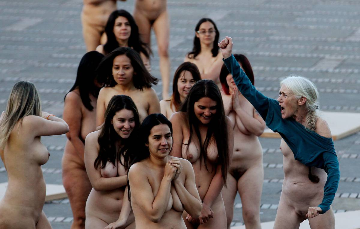 Women grind naked fucking