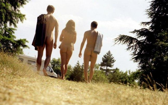 nudists_on_nature_trail_in_lyon_area_of_southeastern_france-large_transnjjoebt78qiaydkjdey4cngtjfjs74myhny6w3gnbo8