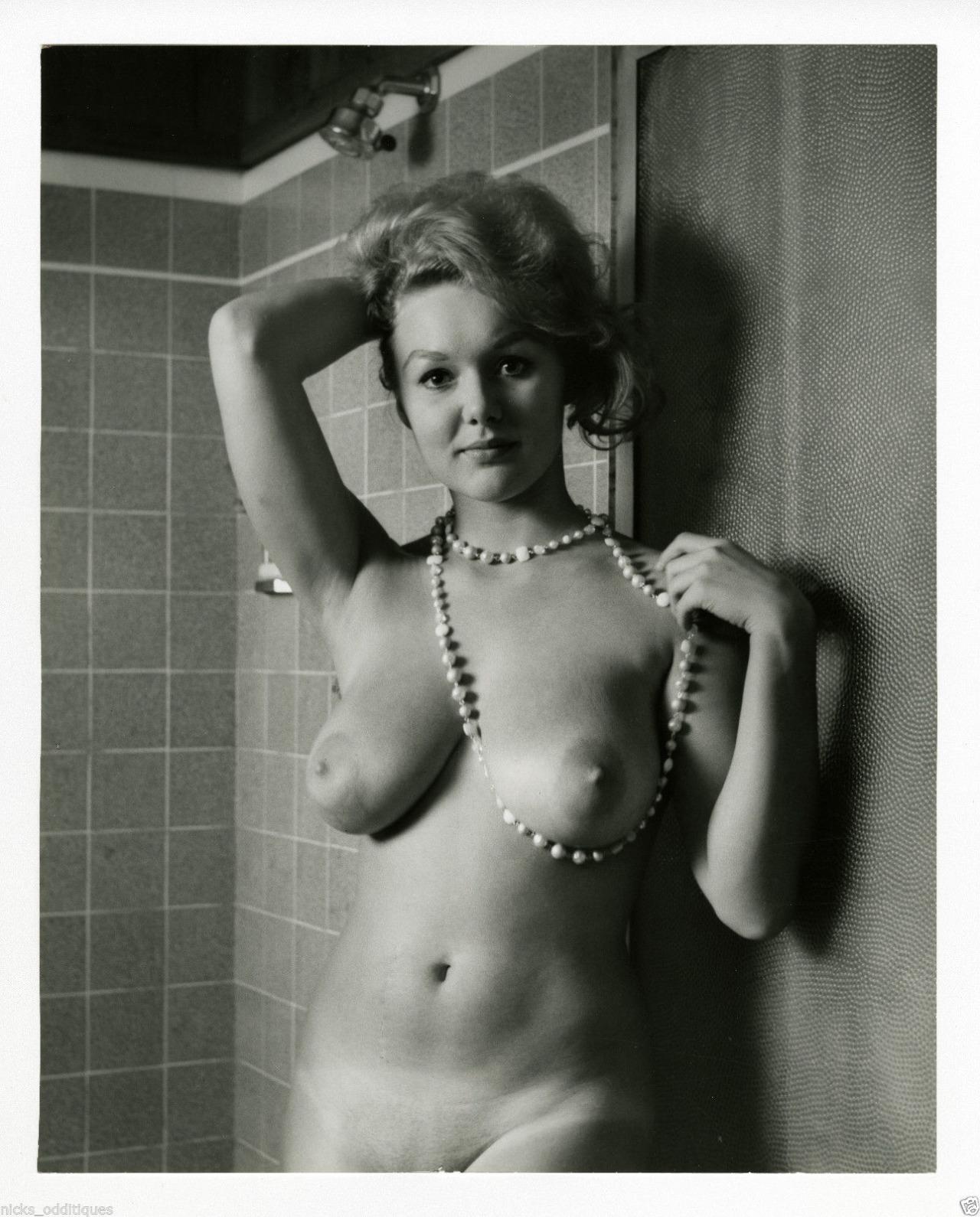 Lynsey Bartilson Nude Photos & Pics 2020
