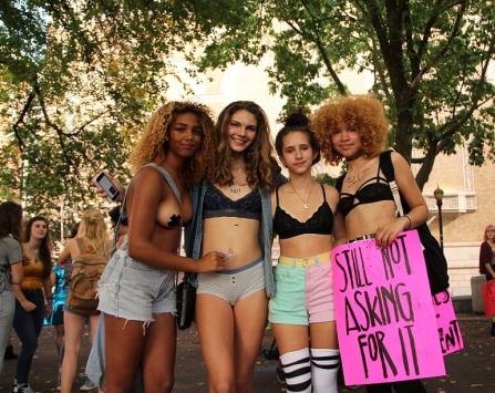 elle-slutwalk-ladies